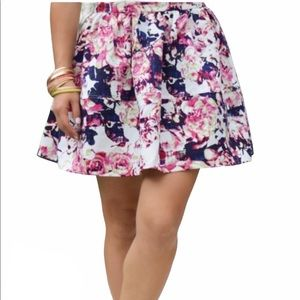EXPRESS floral full circle mini skirt with pockets